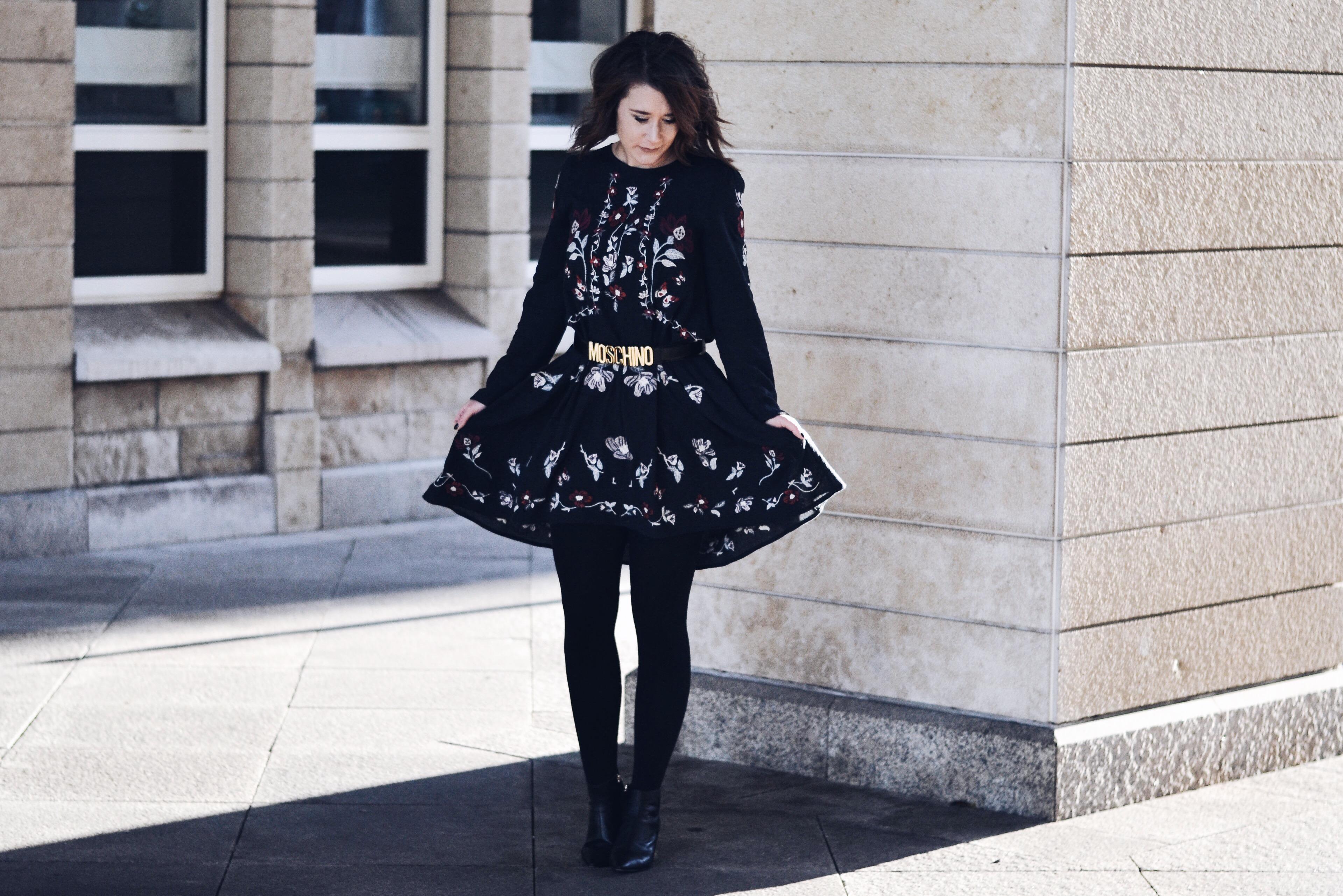 allthatchoices by laura fashionblog mainz bob zara kleid stickerei floral moschino gürtel statement absatz.JPG